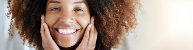 Ten causes of yellow teeth